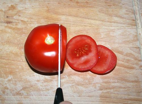 23 - Tomate schneiden