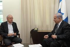 """פגישת רה""""מ נתניהו עם פרופסור מנואל טרכטנברג, יו""""ר הצוות לשינוי כלכלי חברתי (Prime Minister of Israel) Tags: israel pm netanyahu"""
