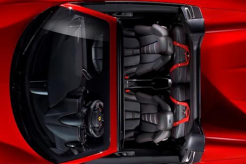 Ferrari-458-Spider-8