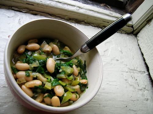 veganly cannellini beans with spinach
