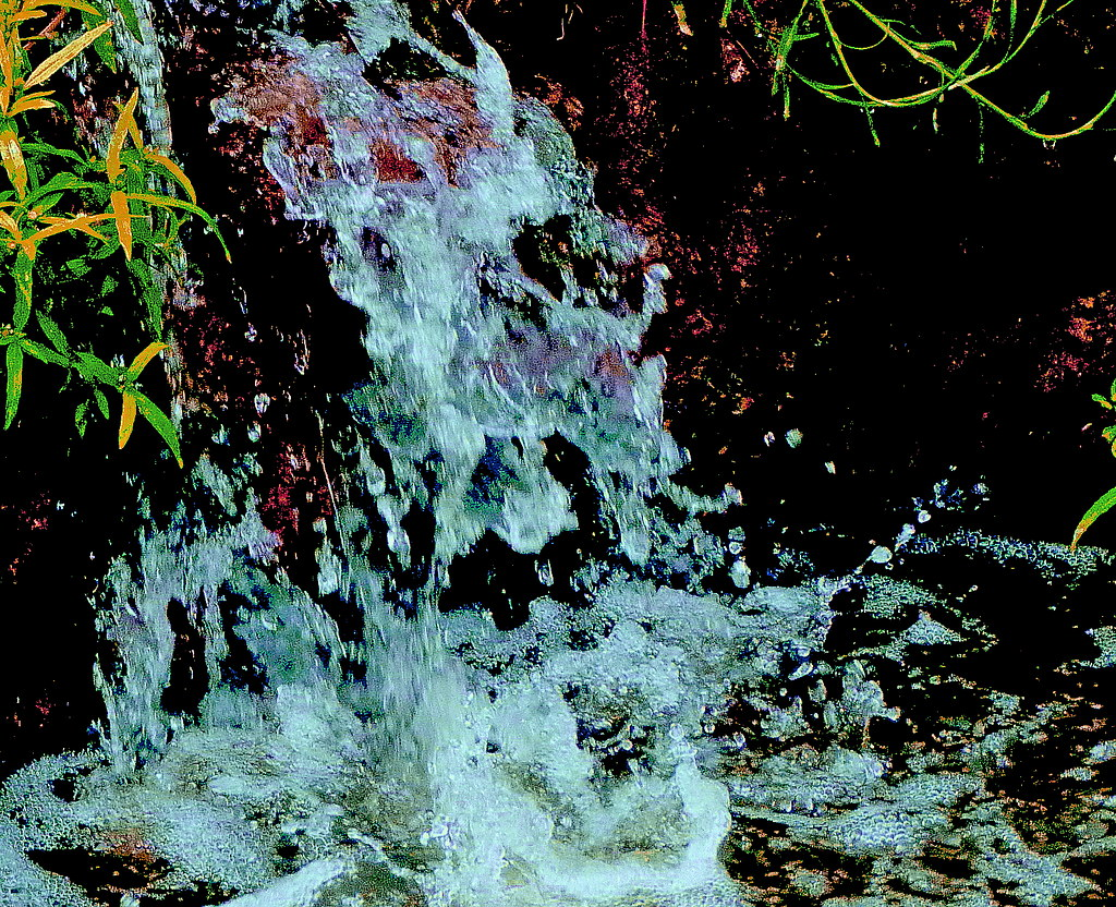 03-09-2011-mini-waterfall2