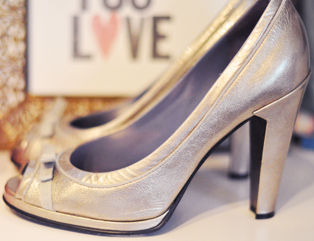 wedding shoes + gold peep toe pumps+marc jacobs shoes