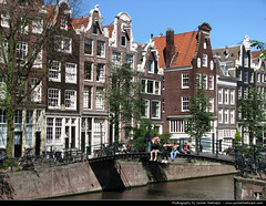 Brouwersgracht, Amsterdam, Netherlands (JH_1982) Tags: old city bridge houses brick netherlands amsterdam buildings canal centre nederland landmark center historic canals brug brcke oldtown paysbas pases niederlande gracht  brouwersgracht paesi amsterdo bajos  bassi brouwers grachtengordel    amsterd