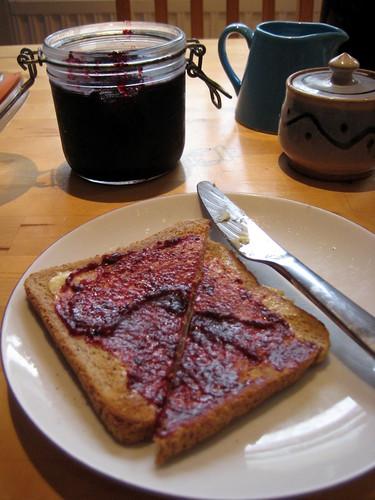 easy blackberry and apple jam recipe