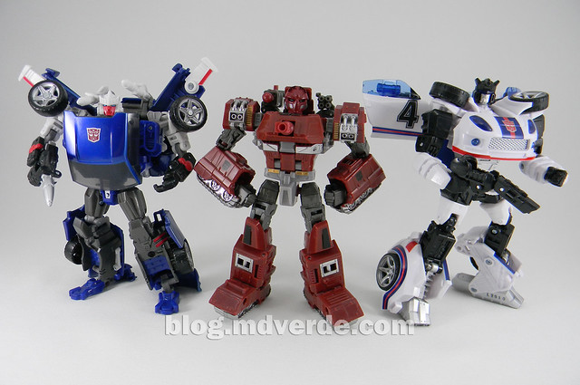 Transformers Warpath Generations Deluxe - modo robot vs Tracks vs Jazz