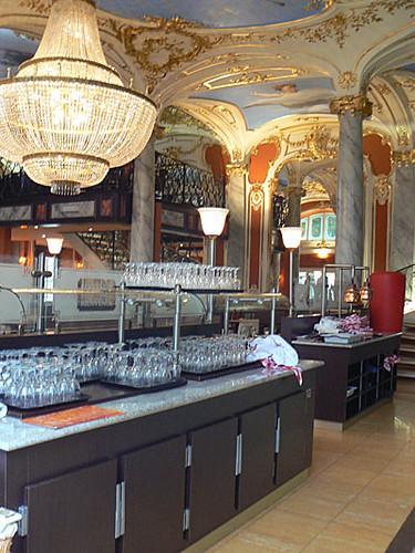 joli café sur la place Stanislas.jpg