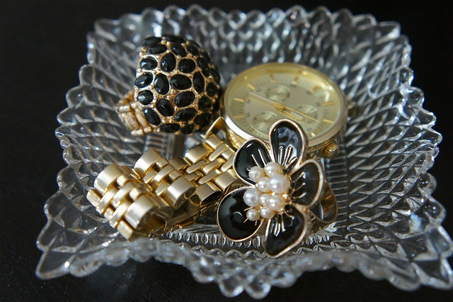 Black and gold cocktail rings