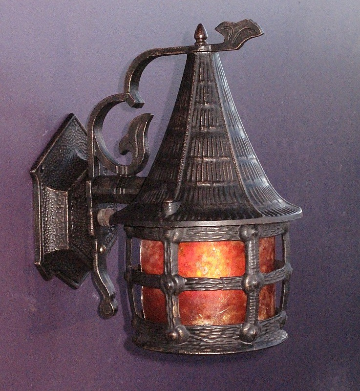 Cottage style | Antique lamp | vintagelights.com