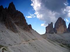 Rodeando las montaas (carmenvillar100) Tags: alpes montaas dolomitas