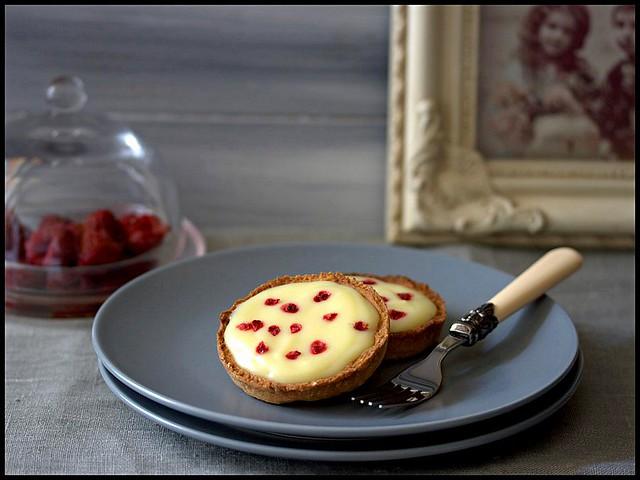 Tarte au chocolat blanc + brisures de framboises