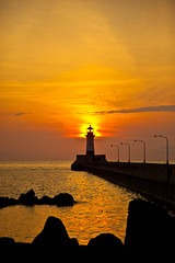 Canal Park Sunrise (KJKvam) Tags: lighthouse minnesota sunrise harbor mn duluth lakesuperior duluthmn canalpark harborlight