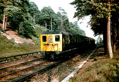 2-HAL at Longcross Halt (Kingmoor Klickr) Tags: electric reading waterloo 2021 2612 2693 2694 2bil 2hal longcrosshalt