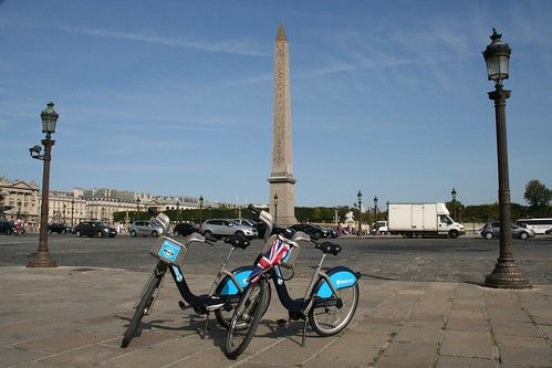 Place de la Concorde with Union Jack