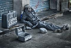 El otro rostro de Madrid (Puerta del Sol) (dleiva) Tags: madrid espaa homeless social via gran domingo leiva sintecho marginacin marginacion reportaje dleiva