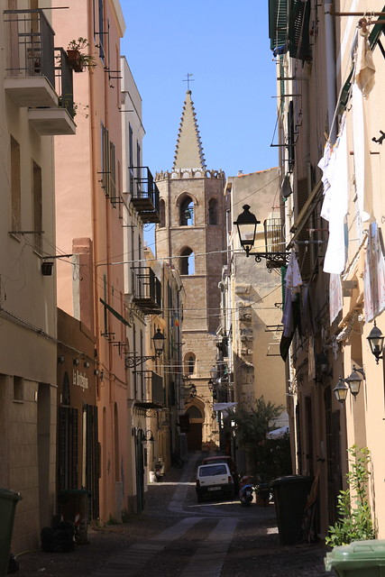 Alghero's old town - with the Cattedrale di Santa Maria at the end of the alley...