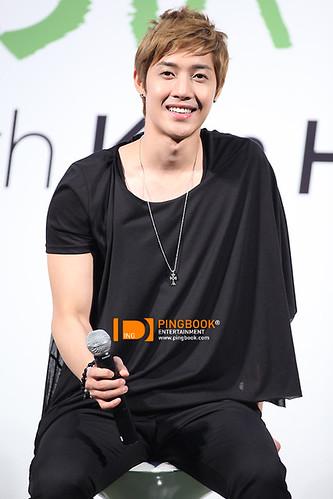Kim Hyun Joong TFS Fanmeet Event in Thailand [110824]