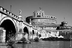 (Girovagando) Tags: blackandwhite panorama white roma nikon fiume vaticano agosto tevere vista bianco nero biancoenero castelsantangelo d300 passeggiata cupolone gennaromasi