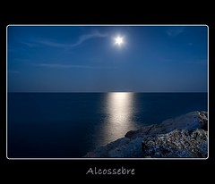 La luna de Alcossebre (Ger Art) Tags: sea espaa moon art valencia canon landscape mar spain niceshot paisaje luna castellon ger alcasser alcoceber alcossebre 40d gerart mygearandme mygearandmepremium mygearandmebronze mygearandmesilver mygearandmegold mygearandmeplatinum artistoftheyearlevel3 artistoftheyearlevel4 artistoftheyearlevel5 artistoftheyearlevel6