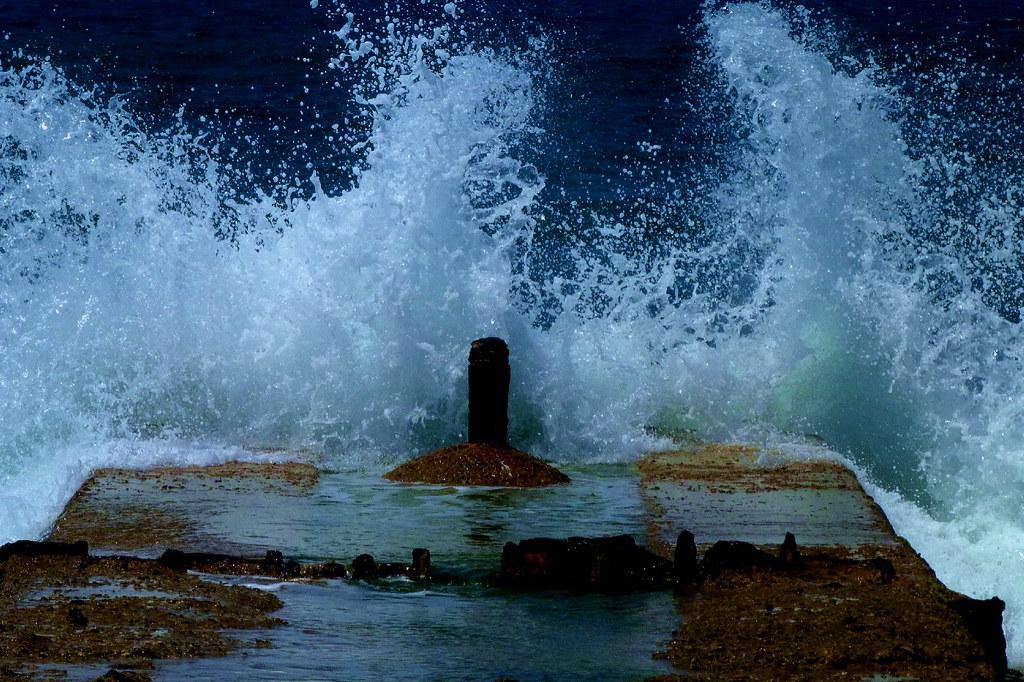 20-08-2011-sea-roaring4