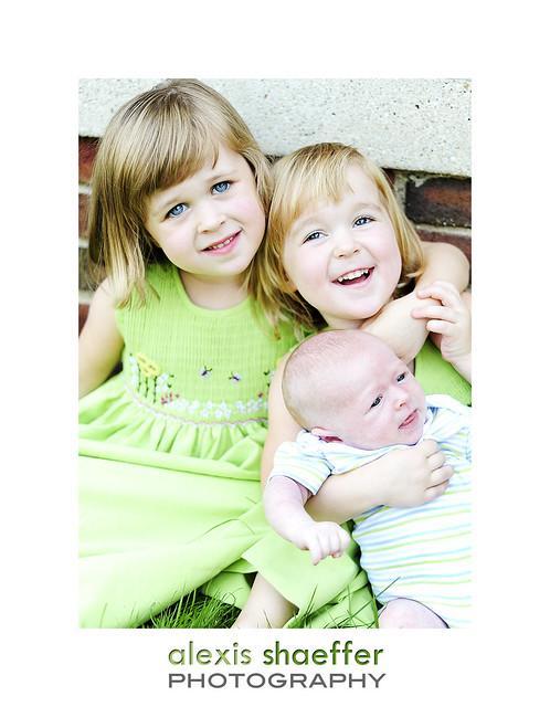 R kids watermark