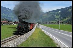 Zillertalbahn Nr. 4 + D211, Mayrhofen 14-08-2011 (Henk Zwoferink) Tags: 4 nr henk zillertal mayrhofen zillertalbahn betuweroute99 betuweroute100 zwoferink