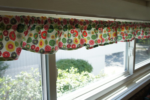 "Kitchen Window ""skirt"""