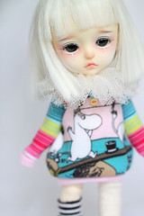 PinkieBell (Aya_27) Tags: pink white cute girl yellow bigeyes doll sweet girly clown moomin lea bjd lovely custom dollfie moomins pierrot notreal dollie latidoll lati sadlook faceupbyandreja pinkiebell 14mmenchantedeyes sweaterbyicantdance