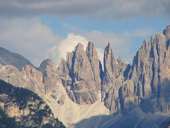 Ancora le Torri del Vajolet  -  Again the Vajolet Towers (Cristina 63) Tags: sky italy mountains nature clouds montagne europa europe italia nuvole natura explore cielo dolomites dolomiti rosengarten monti altoadige southtyrol mounts suedtirol catinaccio renon ritten vajolet abigfave torridelvajolet vajolettowers explorecristina63 holidays2011 vacanze2011