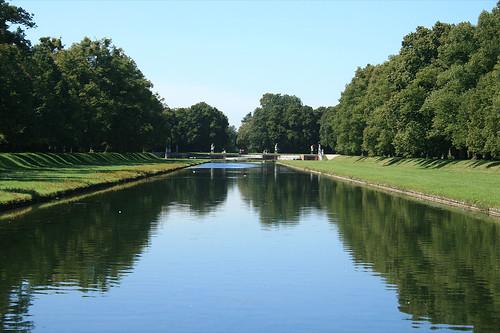 Blick entlang des Kanals in Richtung Große Kaskade
