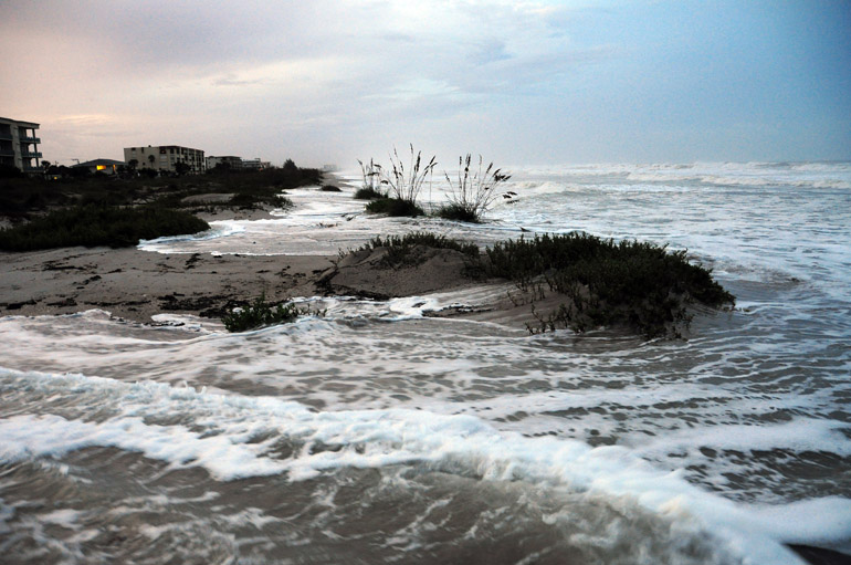 web_stormsurge_hurricaneirene_0115