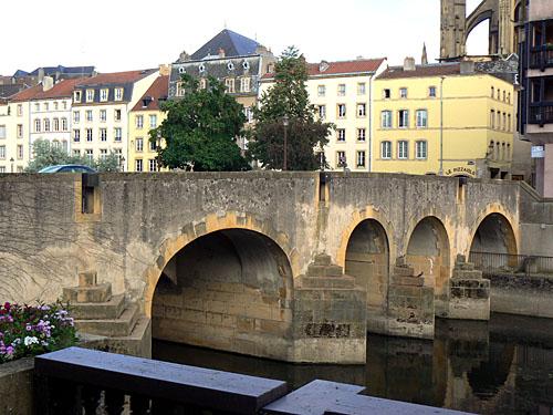 Pont Metz.jpg