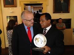 """Jonas Alvarenga e o Presidente da Assembleia Legislativa do Estado de Pernambuco deputado Guilherme Uchôa. • <a style=""""font-size:0.8em;"""" href=""""http://www.flickr.com/photos/63091430@N08/6130634204/"""" target=""""_blank"""">View on Flickr</a>"""