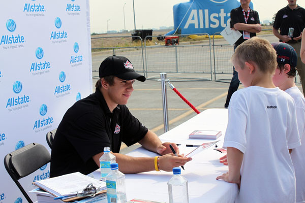 Brayden Schenn at the autograph booth