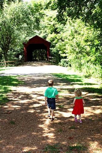 Nat-and-Aut-walking-to-bridge