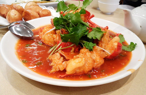 Singapore Lobster with Deep Fried Mantao