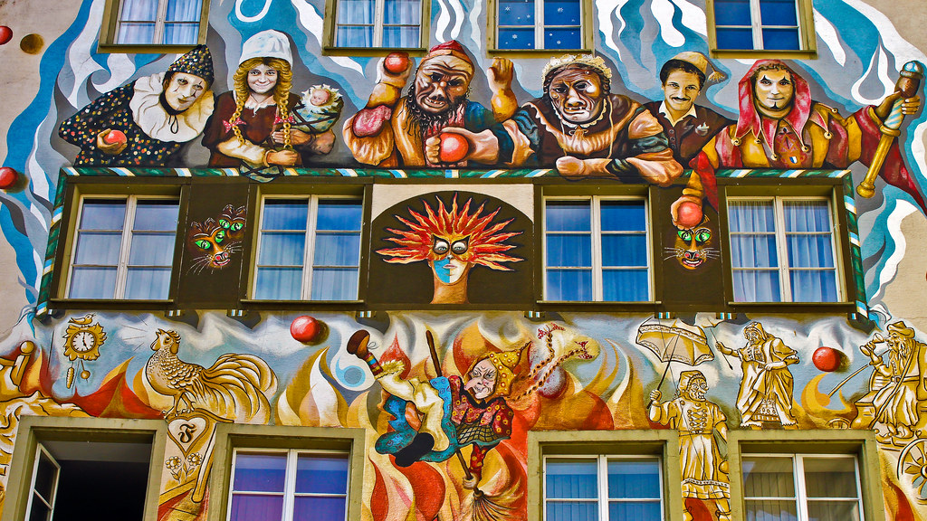 0238 - Switzerland, Luzerne, Painted Building