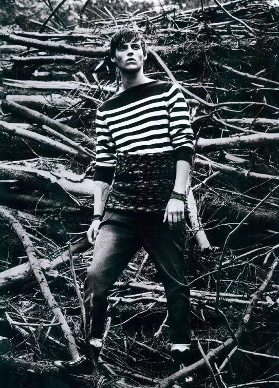 Robbie Wadge0405_Harrod's Magazine(D1 Models Blog)