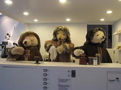Teddy Bear Baristas, Hyeri, Paju (blueoceanpalm) Tags: hyeri 헤이리예술마을