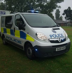 VAUXHALL VIVARO POLICE VAN (NW54 LONDON) Tags: leds vauxhall corsa 999 vivaro hertfordshirepolice