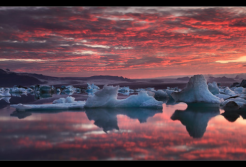 Red & Blue- Jökulsárlón, Iceland by orvaratli