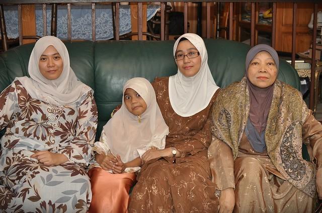 Famili 11