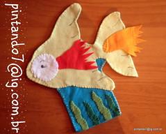Peixe Fantoche (Mnica Pintando7) Tags: peixe macaco feltro sapo festa pintinho presente fantoche baleia festainfantil lembrancinha pintando7 centrodemesa sapocururu pintinhoamarelinho lembrancinhadefestainfantil galinhapintadinha fantochedefeltro