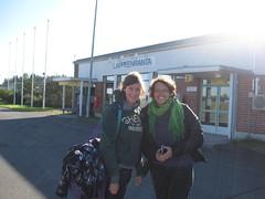 2011-4-03-finland-airport-ilse &ellen