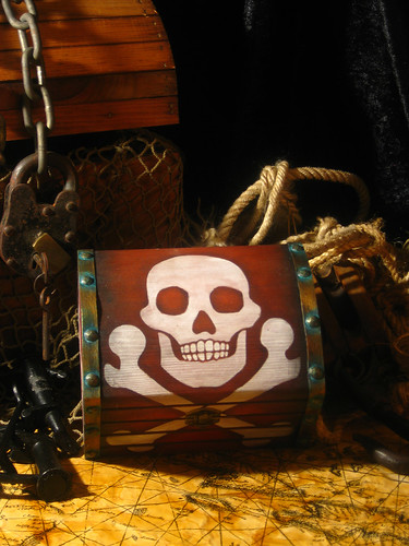 Large Pirate Chest 01