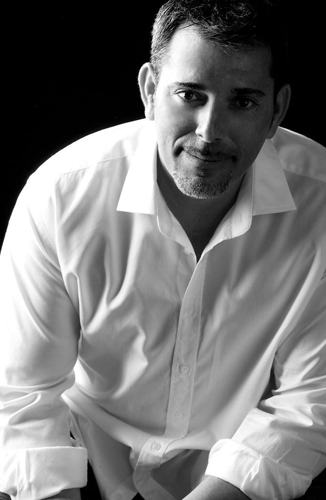 Víctor del Árbol: «Para publicar hacen falta dos cosas: escribir bien y ser perseverante»