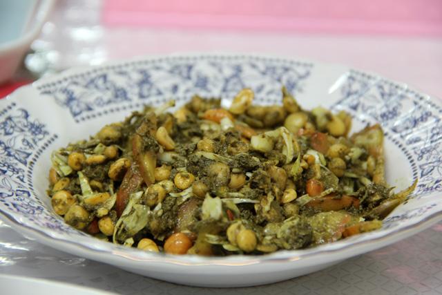 Laphet Thohk - Burmese Tea Leaf Salad