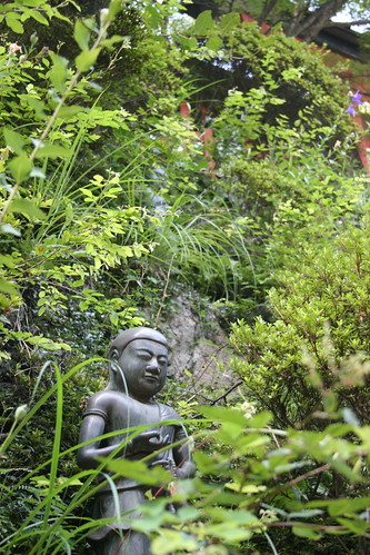 Buddhas up the hill