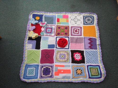 25 Ladies took part in this Jan Eaton (3) Blanket, thank you very much!