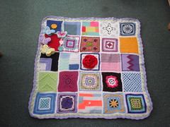 25 Ladies took part in this Jan Eaton (3) Blanket, thank you very much! Please add note if you see your Square!