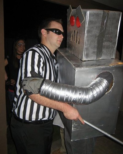 Blind Referee/Crazy Robot